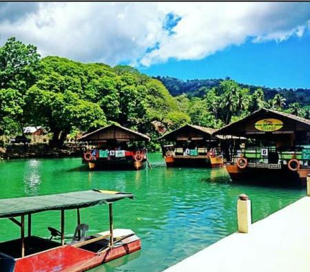 floatingboat.png