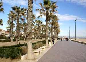 holiday-spanish-valencia-city-break-valencia-beach